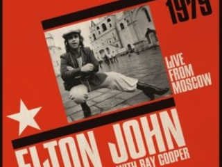 Succedeva All'Incirca 40 Anni Fa. Elton John With Ray Cooper – Live From Moscow