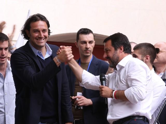 """Luca Toni: """"No inciucio, elezioni subito"""". E i social lo massacrano"""