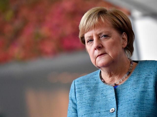 """Merkel chiama. Erdogan: """"L'embargo non ci ferma"""""""
