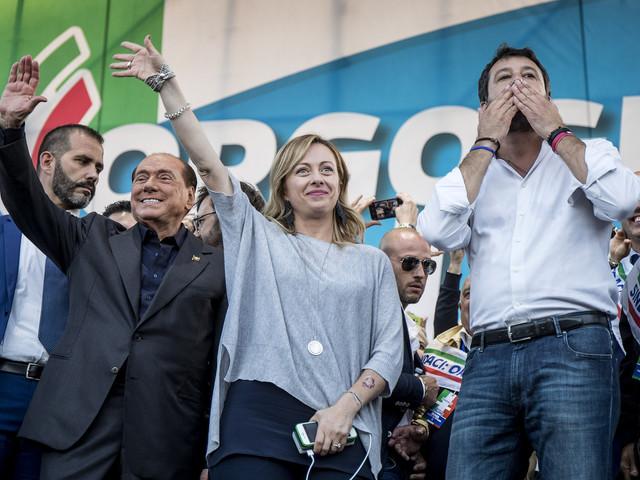 """Centrodestra in piazza, Berlusconi: """"Parte lo sfratto per il governo Conte"""". Salvini: """"Qui c'è l'Italia vera"""""""