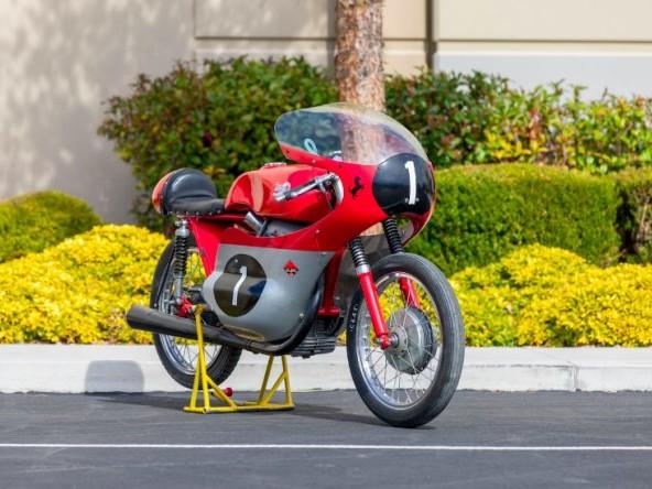 All'asta una Ducati Bialbero del 1955 con il Cavallino