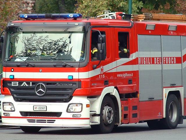 Roma, quattro auto in fiamme: probabile dolo