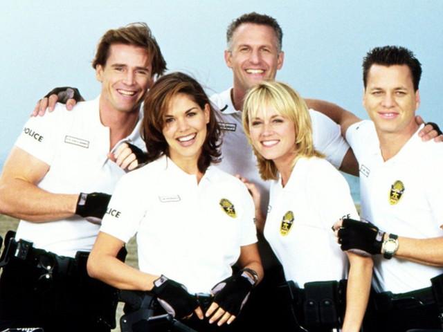 5 fra le più assurde serie tv sull'estate