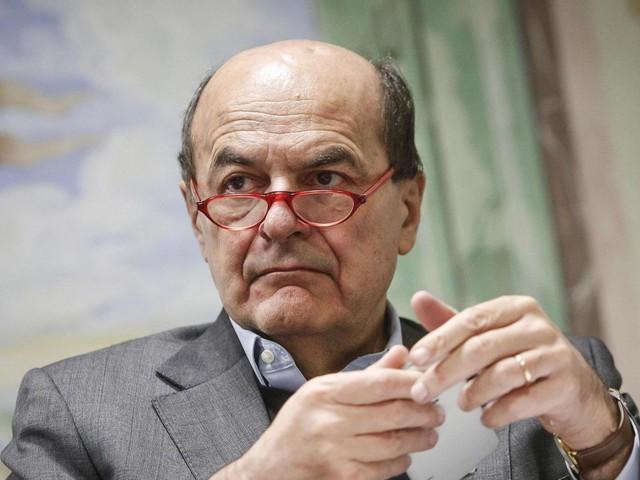 """Pier Luigi Bersani in assetto di combattimento: """"Se Renzi tira dritto, è finito il Pd e rinasce un nuovo Ulivo, plurale e democratico"""""""