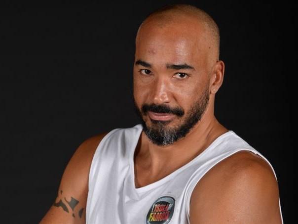 """Domenica Live, Amaurys Perez smentisce il tradimento: """"Io amo mia moglie, mi scivola tutto addosso"""""""