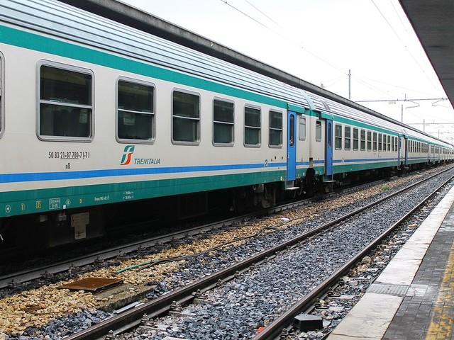 Richiedenti asilo gambiani scatenano tafferugli in stazione a Reggio Emilia
