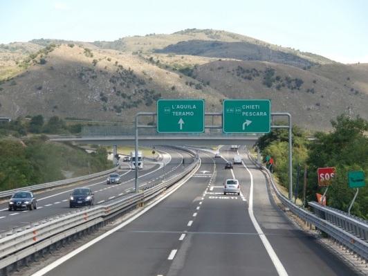 A24 e A25, l'avviso di Strada dei Parchi: possibile aumento dei pedaggi dal prossimo 1 luglio del 19%