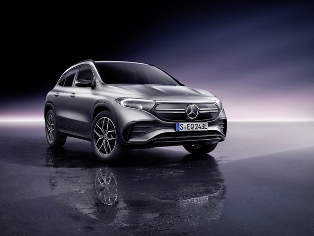 """Mercedes EQA, il SUV elettrico compatto dal prezzo """"smart"""""""