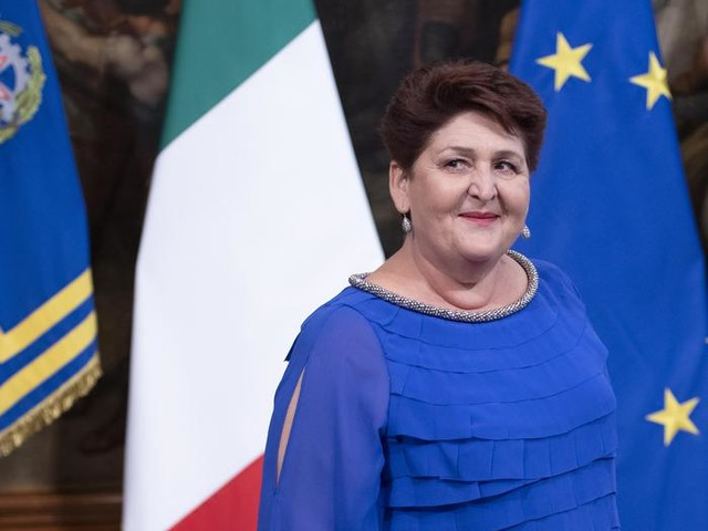 Attacchi sui social a Teresa Bellanova, solidarietà bipartisan