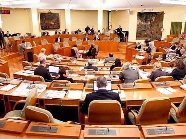Rimborsopoli, trentuno ex consiglieri regionali del Piemonte rischiano il processo per peculato