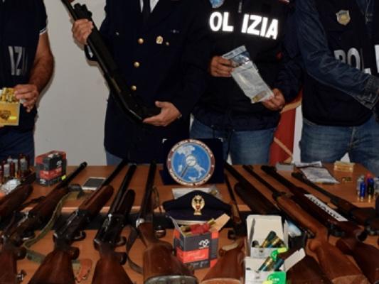 Spara verso i braccianti con un fucile per farli lavorare, arrestato imprenditore a Latina