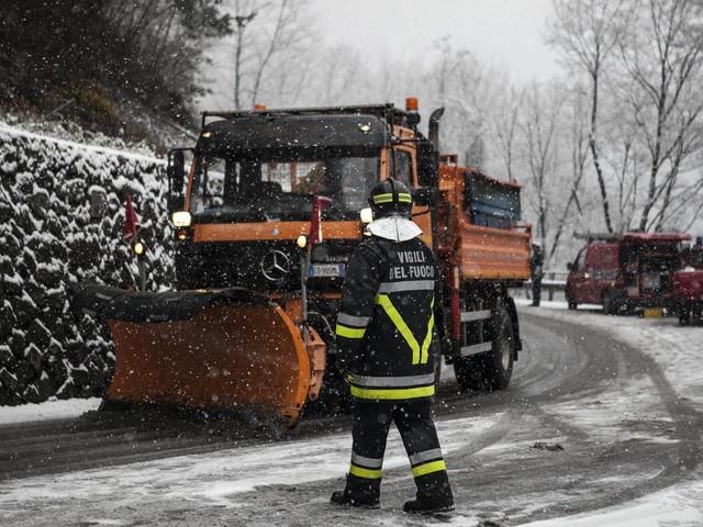 Scatta il «Piano neve» in tutto il Trentino pronti trecento mezzi di intervento