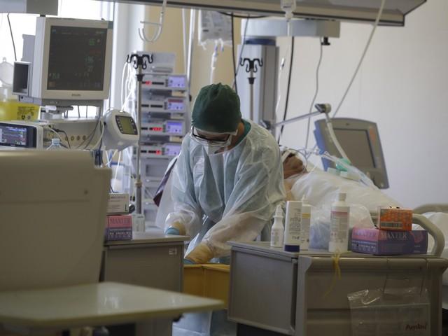 I medici sotto assedio: in un mese 27mila contagi