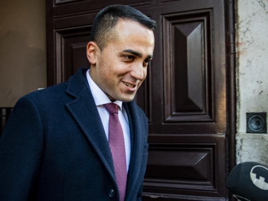 Di Maio lascia la guida di M5s. A Crimi la reggenza
