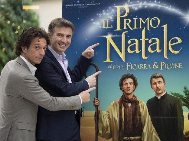 Il Natale di Ficarra e Picone è un bel film che piace a tutti (ed è in testa al box office)