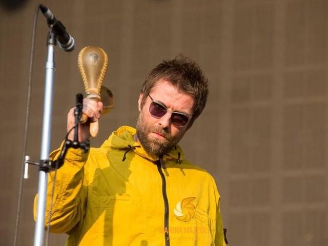 Liam Gallagher, un nuovo tweet specifica la presunta minaccia di querela del fratello Noel