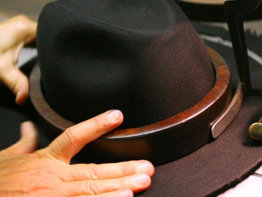 Il 2020 potrebbe essere l'anno in cui tornano di moda i cappelli