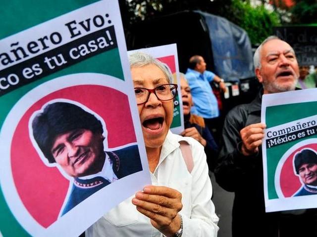 Bolivia, l'ex presidente Morales chiede asilo in Messico. Elezioni entro il 22 gennaio