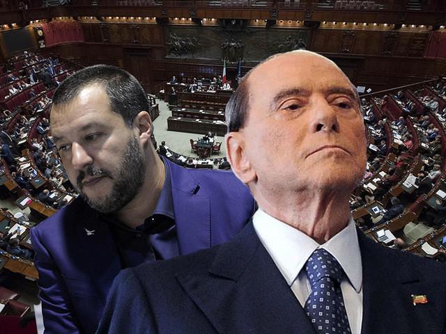 """Crisi, M5s: """"Salvini sceglie Silvio, ma anche Berlusconi lo snobba"""""""