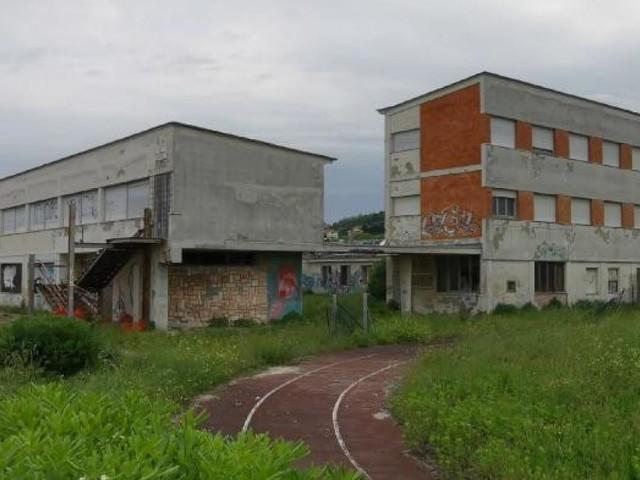 Civitanova, ex Liceo Scientifico: firmato l'atto di vendita