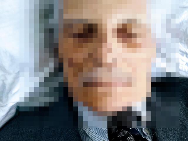 Foto del cadavere del padre su Facebook: il dolore della morte ai tempi dei social