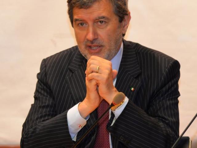 Il presidente Marsilio incontra a Palazzo Chigi il ministro Lezzi, focus su programmazione dei fondi europei