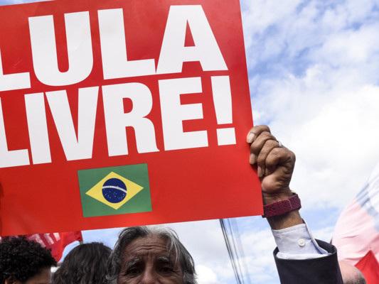 L'ex presidente brasiliano Lula può tornare in libertà