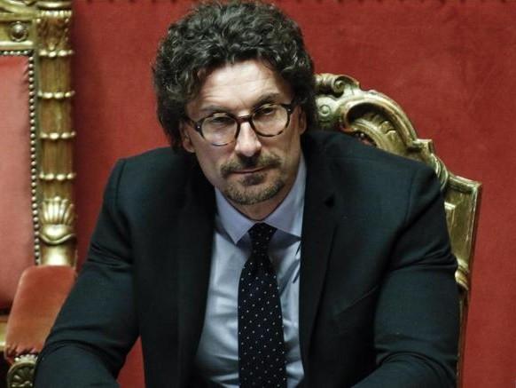 Tpl, Toninelli firma decreto che ripartisce 3,89 miliardi alle Regioni