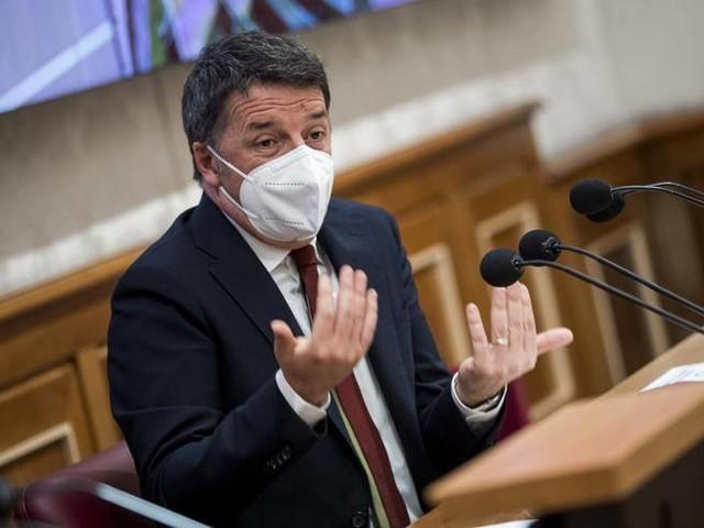 Renzi è a Dubai, tornano le polemiche. Il Movimento5 Stelle: «Ora chiarisca»