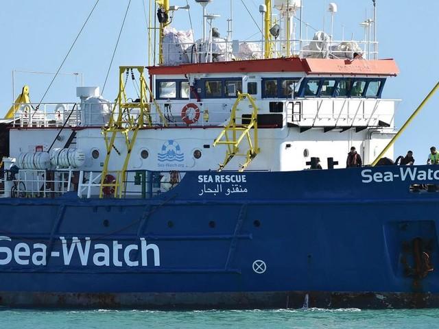 Sea Watch, raccolti oltre 220mila euro su Facebook per la capitana Carola Rackete