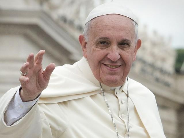 """Papa: """"Andrò in Iraq, ira di Dio su chi vende armi"""""""