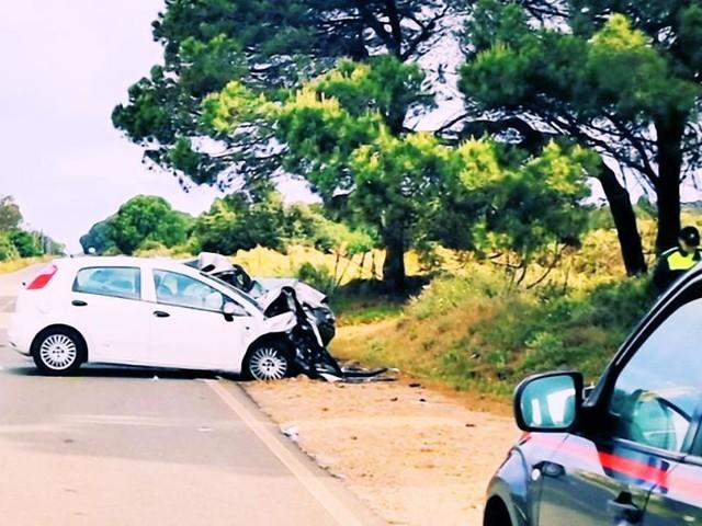 Sardegna, scontro frontale tra due auto: muore un 51enne forse per arresto cardiaco