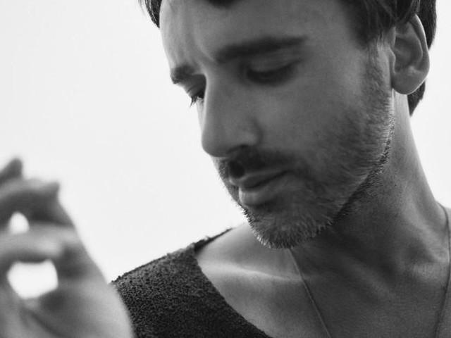 Massaroni Pianoforti: tra Baglioni e Nick Drake. Video