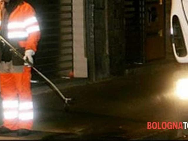 Lavaggio strade: multa alle auto in sosta, ma senza rimozione