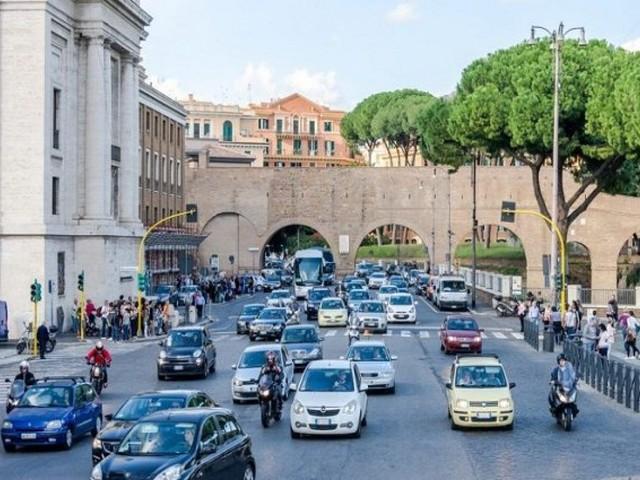 Viabilità: a Roma il primato quale città più caotica