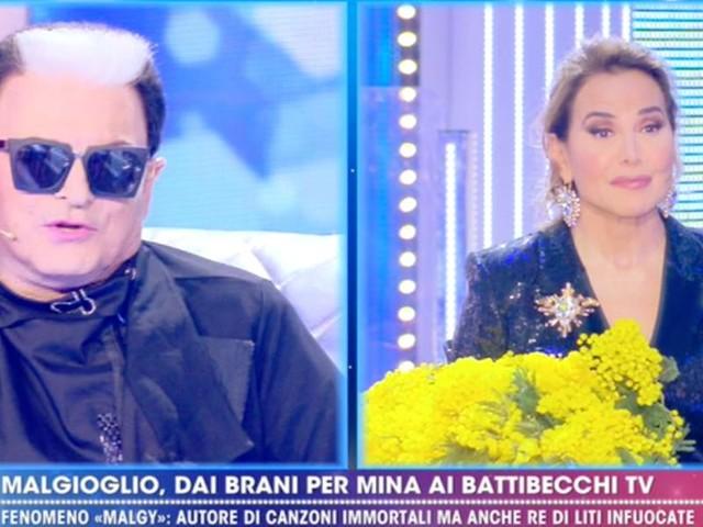 """Cristiano Malgioglio/ Barbara D'Urso: """"Ma non balli?"""" e sale lei sul palco"""