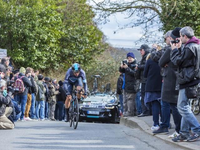 Ciclismo, Ben Swift in terapia intensiva dopo una brutta caduta in allenamento, milza lacerata per il corridore del Team Sky