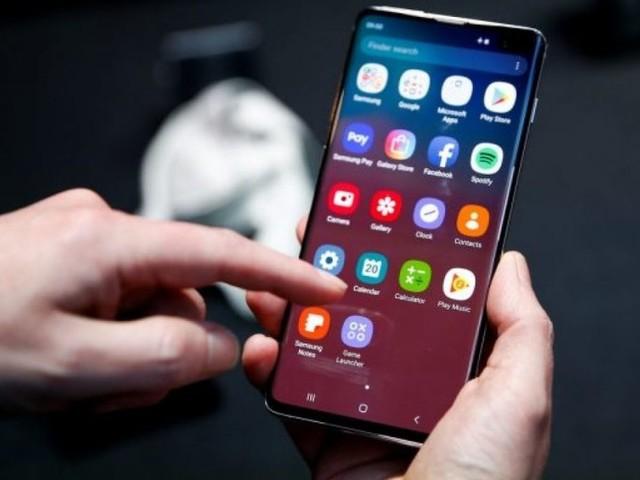 Arriva lo slow motion anche sulla fotocamera anteriore del Samsung Galaxy S10: patch in uscita
