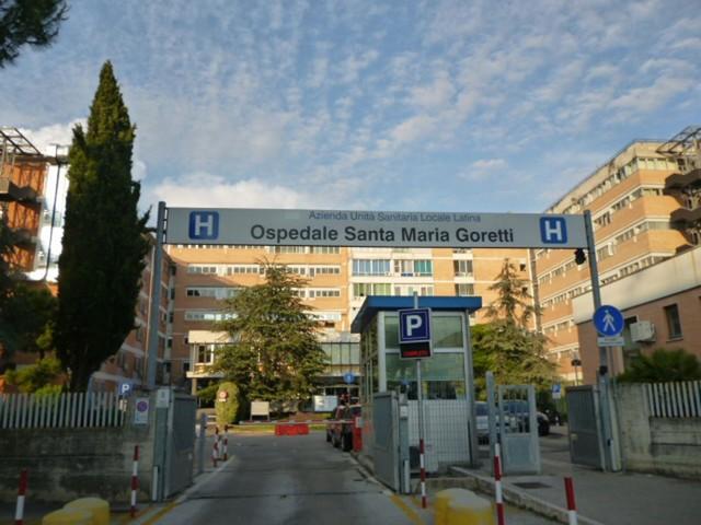 Nuove regole per le visite in ospedale: un parente a paziente, stop ai regali