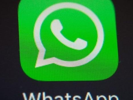 Tutte le novità di WhatsApp del prossimo aggiornamento: svolta GIF ed adesivi (FOTO)