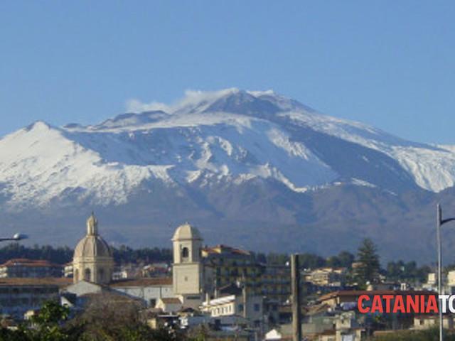 Allarme dell'Ingv sull'Etna, emissioni di radon dalle faglie: rischio per la salute