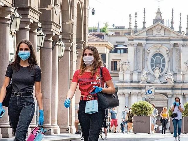 Contributi ai negozi del centro storico, il governo ammette anche Torino