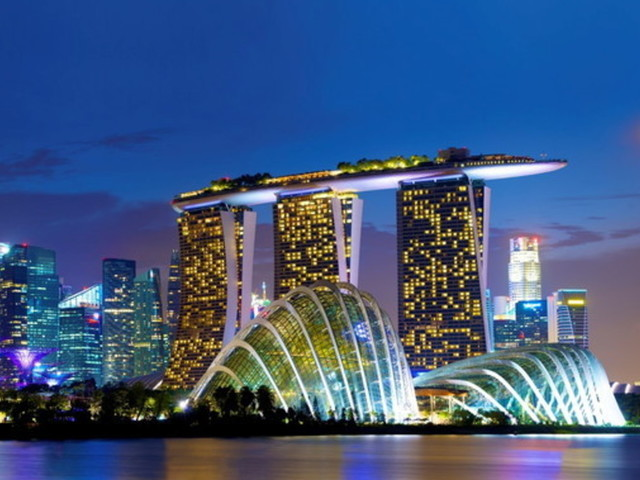 Singapore, storia d'amore in otto rendez vous