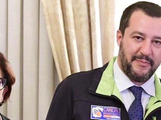 La crisi ha fatto esplodere le tensioni tra Trenta e Salvini
