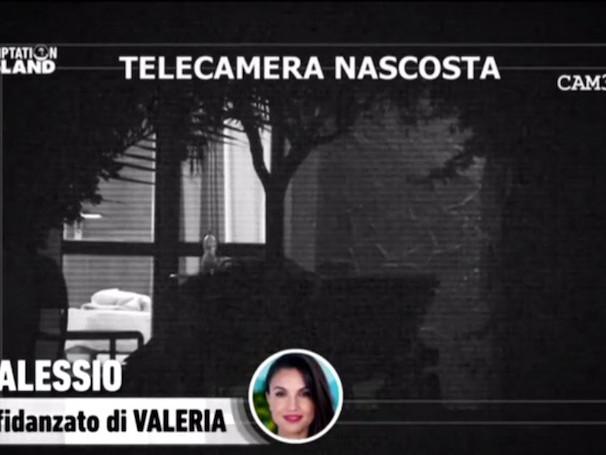 Temptation Island 2017, Alessio si difende sui social: «Con Carmen non ci sono stati né baci, né bocch***»