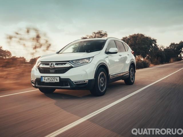 Honda - Al volante della CR-V Hybrid