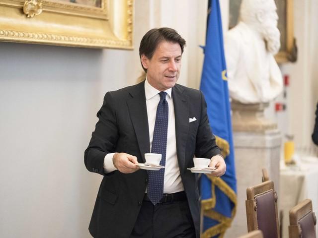 Un sondaggio agita il Conte bis: gli italiani vogliono tenere i porti chiusi