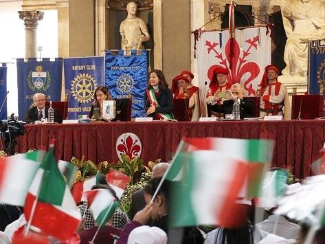 Firenze: festa in onore del tricolore a Palazzo Vecchio con i ragazzi delle scuole