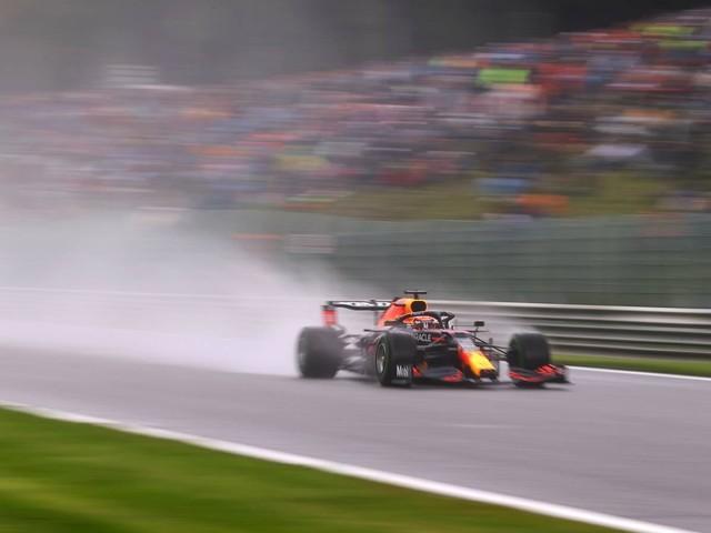 F.1, GP del Belgio - Libere 3: Red Bull vola sul bagnato