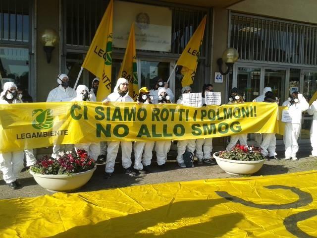 Rapporto Eea, smog: Italia maglia nera in Europa e prima per morti da biossido azoto. Costa: «Dati allarmanti»